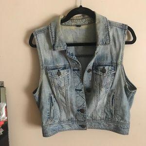 AEO | XL. Light Wash Denim Distressed Vest